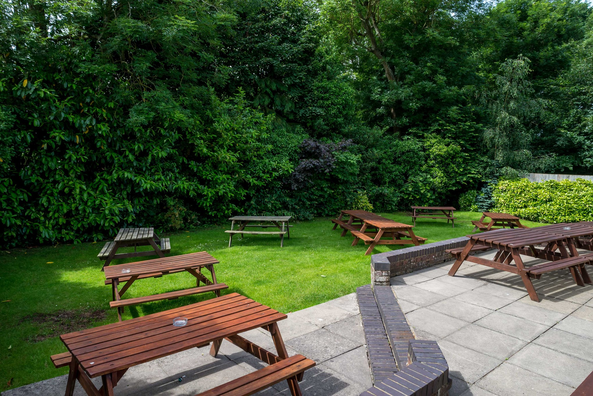 gallery the three horseshoes marlow