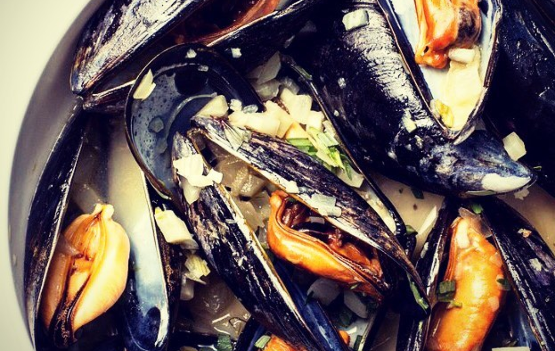MUSSELS, FRIES & CRAFT BEER @ THE TAP