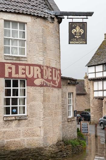 Fleur De Lys Bath Cask Finder Result Pub Page Beer Drinkers